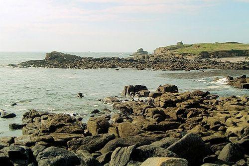 Long de 3 km et large de 1.5 km, le goulet de Brest est un bras de mer reliant la rade de Brest à l