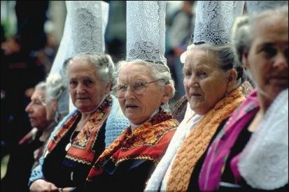 Pont l'abbe coiffes vieilles dames