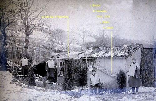 Soldats 1915  cabane dénommée la villa des 4 Robinsons