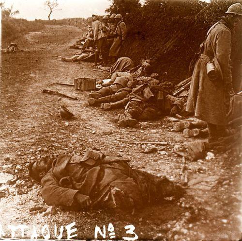 Apres l'attaque - cne de Courcelles (Oise 1918)